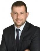 associate Petar Balezdrov